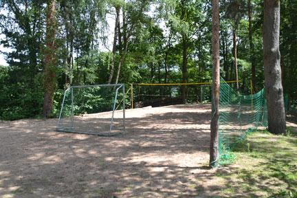 KIeiner Sportplatz